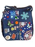 Umhängetasche Canvas Style mit aufgenähten Patches, Buttons und floralem Muster - Maße 28 x 29 cm...