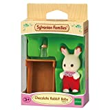 Sylvanian Families 5062 Schokoladenhasen Baby ROSI Löffel, Minipuppe, bunt
